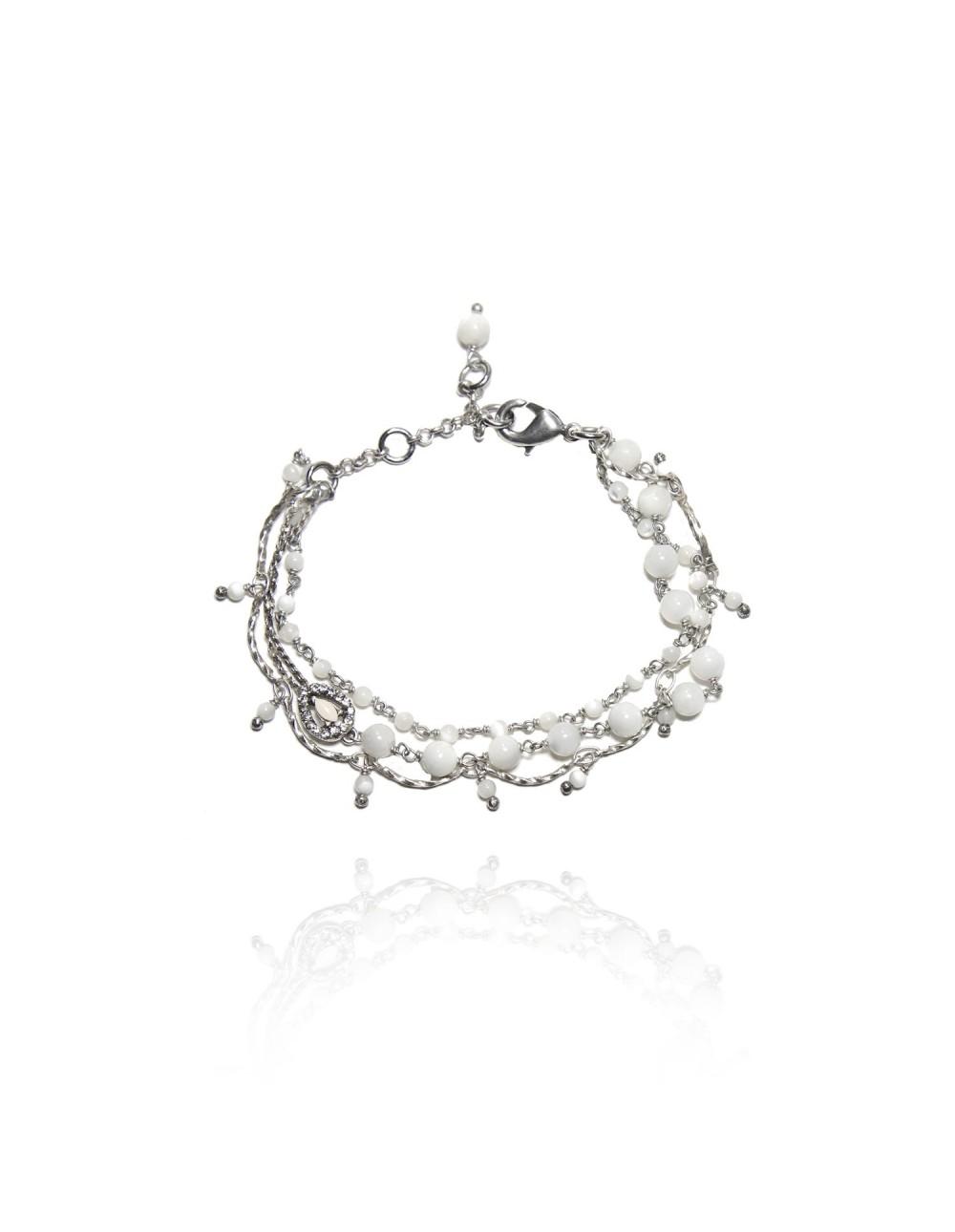 Bracelet sur chaine façon cordon Petit coeur de nacre